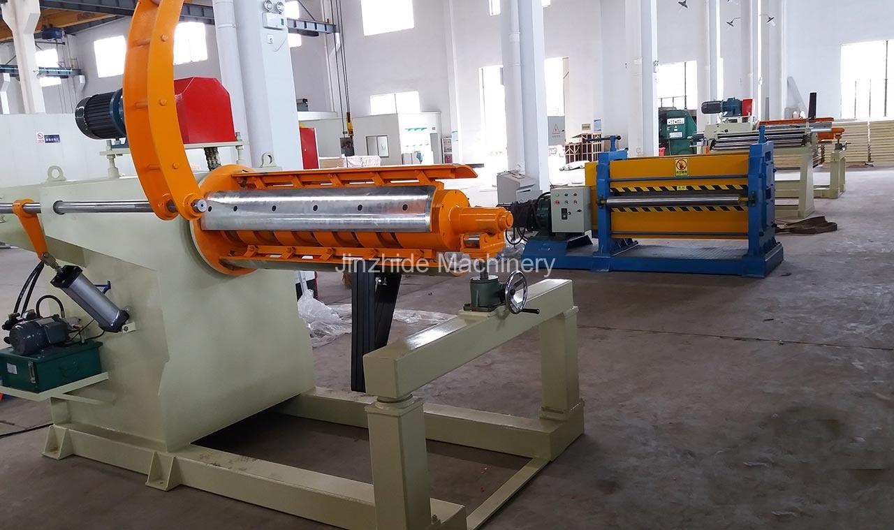 Large Hydraulic Uncoiler use