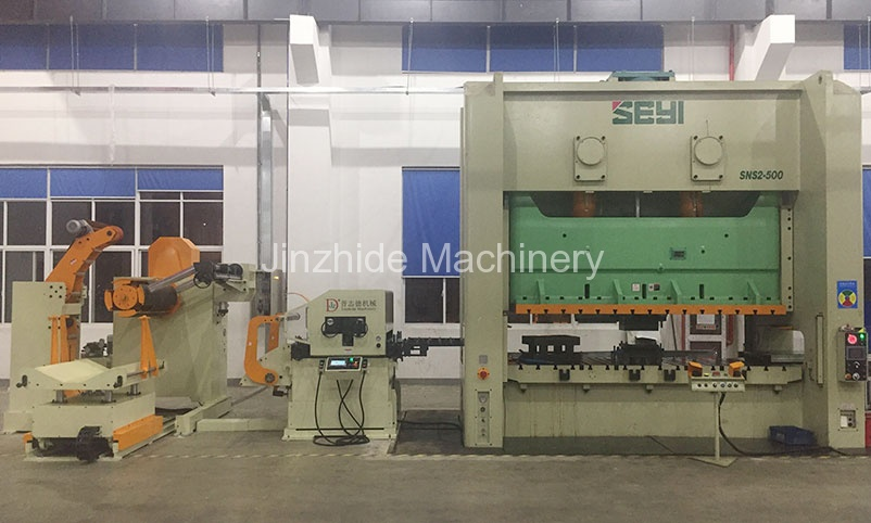 Thick-plate triple-feed-machine-production-line