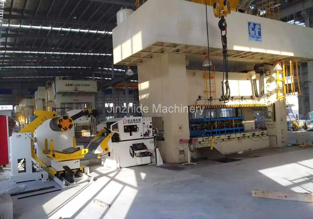 Thick-plate-triple-feeder-production-line
