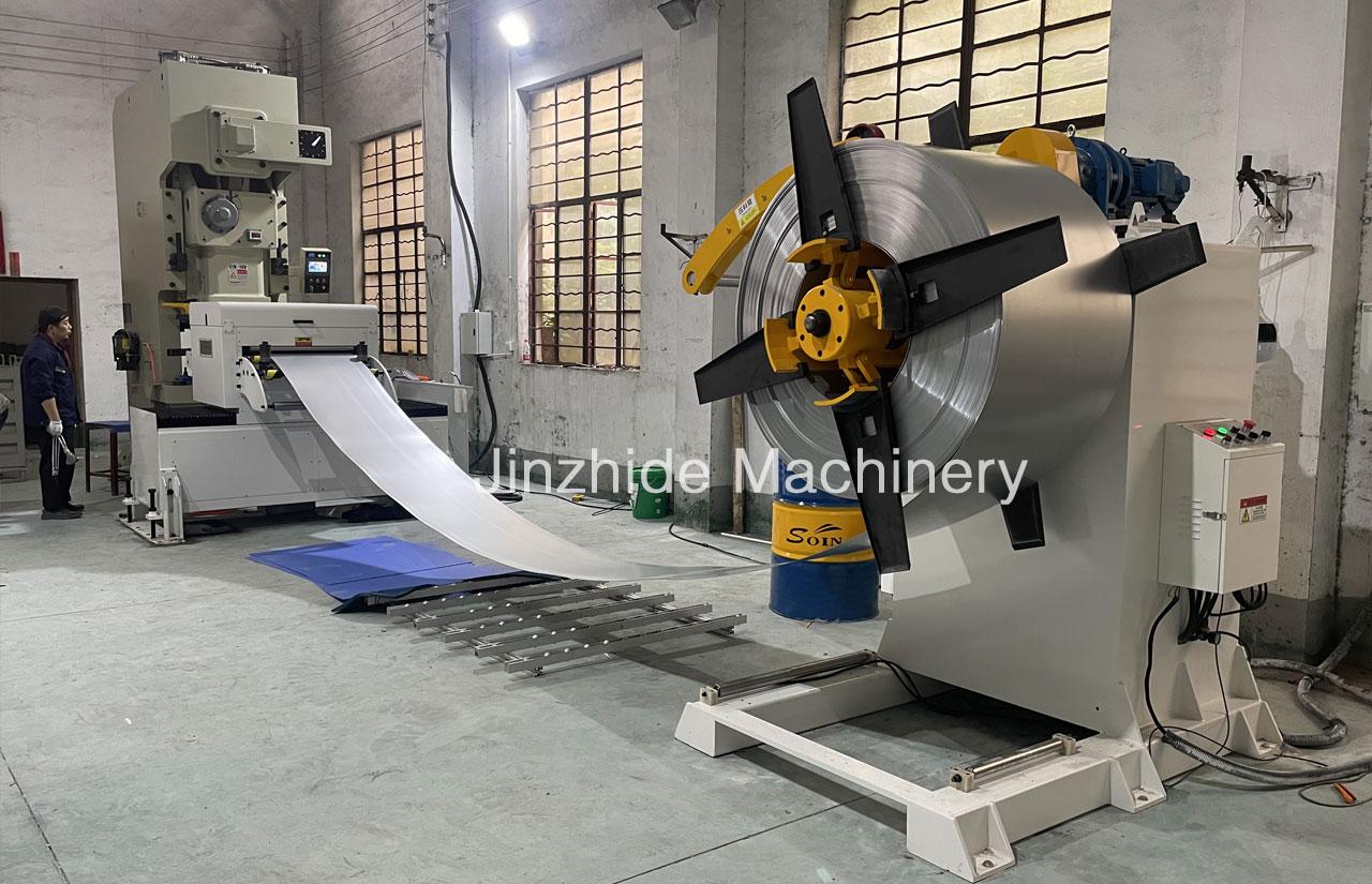 Zigzag-Servo-Feeder-Machine-manufacturer